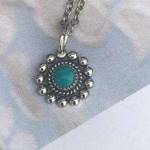 Very petite Vintage turquoise pendant necklace
